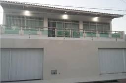 Duas casas com fino acabamento no Vila Velha