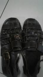 Sandália couro,solado borracha de pneu