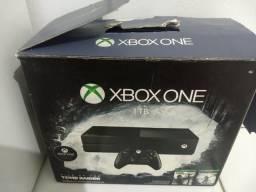 Xbox one HD de 1TB com 2 jogos e um controle