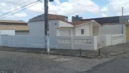 Alugo casa em Candelária, R$ 1.050,00