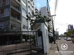 Apartamento espaçoso com 4 quartos e 3 banheiros, em Candeias!