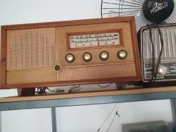 Radio antigo colecionador