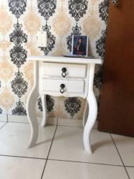 Mesa decorativa branca