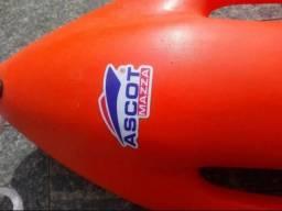 Boia de resgate tipo torpedo
