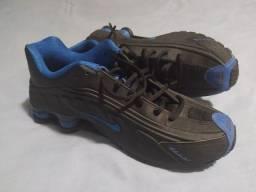 Tênis  Nike shox ,número  42