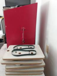 Máquina de fazer sandalia e camisa