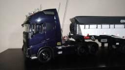 Vendo miniatura de caminhão volvo fh 500.