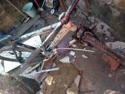 Bicicleta aro 26 de quadro de alumínio