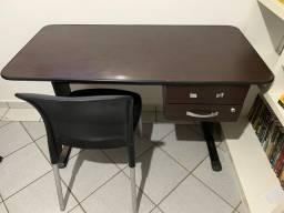 Escrivaninha + cadeira de escritório