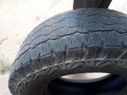 Título do anúncio: Vendo pneu 265/70/16