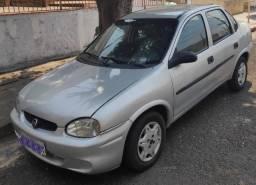 Título do anúncio: Vende-se Corsa Sedan 2000