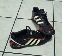 Chuteira Adidas Tam. 40 Society