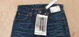 Título do anúncio: Calça jeans nova da Uniqlo.