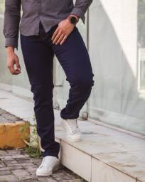 calça masculina skinny que estica no corpo