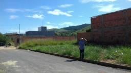 Lote- terreno em Raul soares (100% plano)