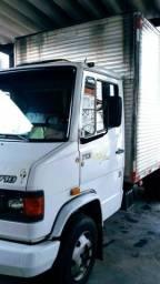 Vendo caminhão - 2005