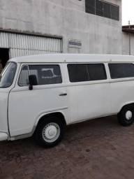 Vendo uma kombi 17.500 - 2006