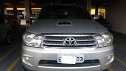 Vendo Toyota Hilux SW4, única dona, tenho Nota Fiscal - 2009