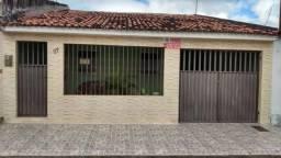 REF. 138 - Casa Albano Franco