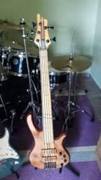 Baixo de Oliveira Bass