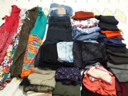 Calcas leggin, blusas, calças jeans, vestidos, bermudas e shorts