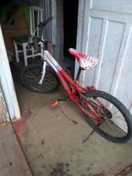 Vendo ou troco por algo do meu enterese essa bicicleta de menina aro 20