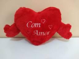 """Almofada formato coração """"Com Amor"""""""