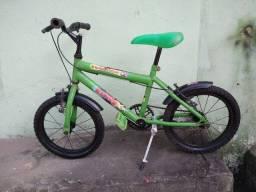 Vendo uma bicicleta em perfeito estado