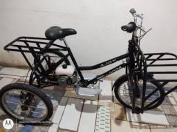 Título do anúncio: Triciclo a motor zero nuca usado adptado