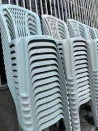 Preço revenda no atacado cadeira plástica pra lanchonete