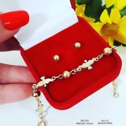 Semi jóias e acessórios