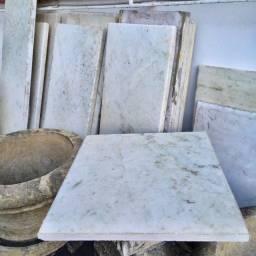 Pedras de Mármore Branco Diversos Tamanhos (unidade)