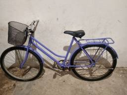 Bicicleta semi-nova.