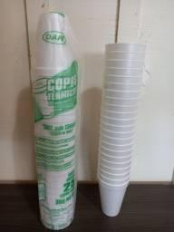Título do anúncio: Kit 25 copos isopor térmicos novos - Nunca usados
