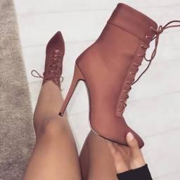 Sapatos , sapatilhas, botas , ETC por encomenda