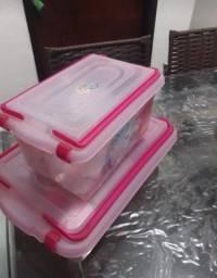 Vende_se esse conjunto de porta mantimentos para colocar mamadeira e remédio .