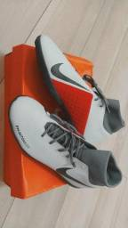 Chuteira Nike Phantom Vision TF