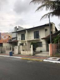 Camboriú - Casa Padrão - Centro