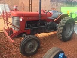 Trator Massey Ferguson MF 50x ano 71 - Nova Andradina - MS
