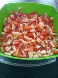 Sorvete com salada de frutas