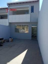 Casa Geminada a venda com 3 quartos em Santa Mônica - BH - Cód 917