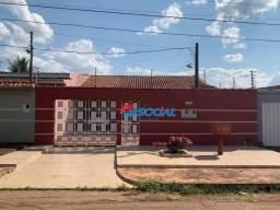 ÓTIMA OPORTUNIDADE - Excelente casa com localização privilegiada à venda por R$ 370.000 -