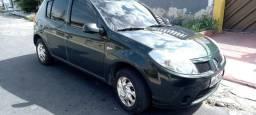 Renault  Sandeiro ... novinho.