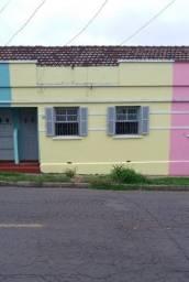 Aluga se casa com 2 dormitórios