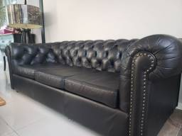 Sofá chesterfield em couro natural 3 lugares