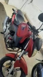 Título do anúncio: CB 300cc ano 2012