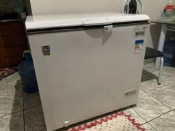 Vendo Freezer 220W com transformador