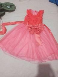 Vendo vestido infantil veste até 3 anos