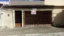 vendo uma casa em bezerros. na  Av. Pres. Kenedy 230 bairro  São Sebastiao