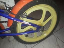 Bicicleta HOUSTON aro 16pouco usada